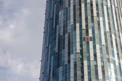 Façade circulaire d'immeuble de bureaux Images stock