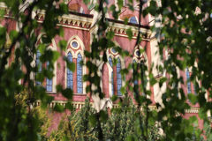 Façade d'église catholique Photographie stock