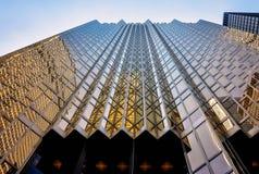 Façade d'or spectaculaire du bâtiment de plaza de Royal Bank Images libres de droits