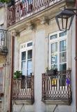 Façade d'un vieux bâtiment à Porto Photos stock