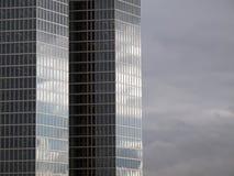 Façade d'une construction moderne de bureau Photo libre de droits