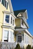 Façade d'une maison coloniale Photo stock
