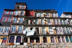 Façade d'une vieille maison à Porto Images libres de droits