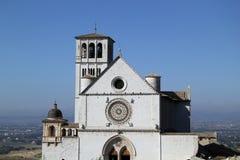 Façade de l'église principale d'Assisi, Italie Photos libres de droits