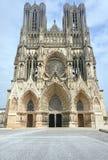 Façade de la cathédrale de Notre-Dame De Reims Images libres de droits