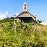 Façade de maison dans de style celtique dans Ploumanach Image stock