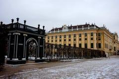 Façade de palais de Schönbrunn à Vienne en hiver photo stock