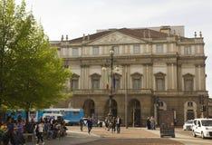 Façade de théatre de l'opéra de La Scala à Milan photographie stock libre de droits