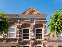Façade de vieille maison dans la ville enrichie de Woudrichem, Netherland Photos libres de droits