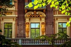 Façade de Vinage du vieux bâtiment photos libres de droits