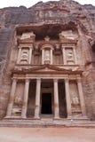 Façade du trésor - Al Khazneh - PETRA - Jord Image stock