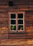 Façade en bois de maison Photos libres de droits