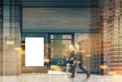 Façade en bois foncée de café, affiche modifiée la tonalité Photo stock