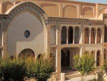 Façade et galeries de palais d'Ameri de Kashan en Iran Image libre de droits