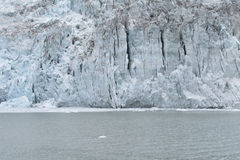 Façade et lac de glacier. Horizontal. Photos libres de droits