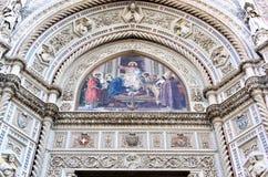 Façade et mosaïque de cathédrale à Florence, Italie Image libre de droits