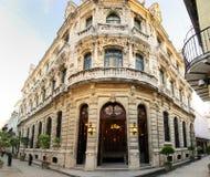 Façade luxueuse de construction à vieille la Havane, Cuba photos stock