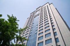 Façade moderne d'immeuble de bureaux Image libre de droits