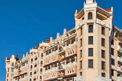 Façade royale d'hôtel de luxe de château dans Elenite, Bulgarie Photographie stock