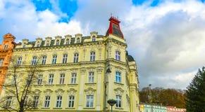 Façades de bâtiment à Karlovy Vary, République Tchèque Photos stock