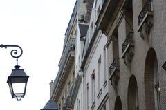 Façades de bâtiment de vintage à Paris Images libres de droits