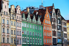 Façades de vieilles maisons à Wroclaw, Pologne photos stock