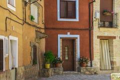 Façades des maisons typiques de village Photo stock