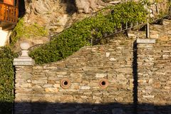 façades et détails de bâtiment de jardin botanique au verbania AIE images libres de droits