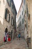 Façades typiques dans Kotor, Monténégro Images stock