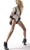 Façonnez la photo de la beauté blonde avec de longues jambes Image stock