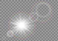 Faísca do sol da luz solar com efeito do alargamento da lente no fundo transparente do vetor Fotos de Stock