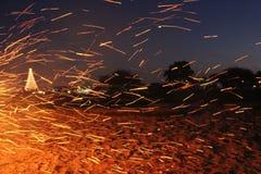 Faíscas da fogueira Fotos de Stock
