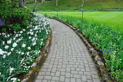 Fa il giardinaggio il percorso immagine stock
