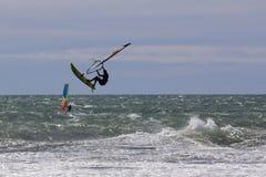 Fa windsurf lo stile libero Fotografie Stock