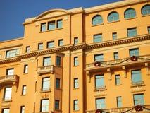 Façade et toit d'hôtel Photos libres de droits