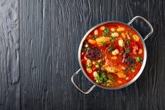 Fabada spagnolo Asturiana Bean Stew, vista superiore fotografia stock