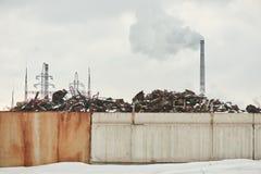 Fabbrica che inquina l'ambiente Fotografia Stock Libera da Diritti