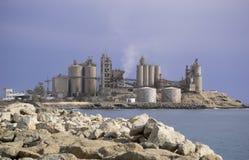 Fabbrica del cemento Immagine Stock Libera da Diritti