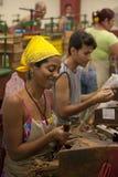 Fabbrica del sigaro a Avana, Cuba Immagine Stock