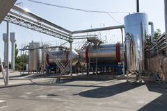 Fabbrica dell'attrezzatura per la produzione di vino e dell'altra foto dell'alcool Fotografie Stock
