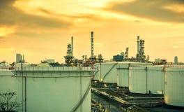 Fabbrica dell'olio e del prodotto chimico Fotografia Stock