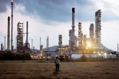 Fabbrica dell'olio e del prodotto chimico immagini stock