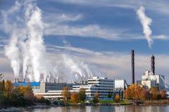 Fabbrica dello stabilimento per la produzione di cellulosa in Skogn, Norvegia Immagine Stock Libera da Diritti