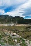Fabbrica di pietra in montagne immagine stock