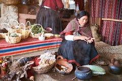 Fabbrica fatta a mano dell'alpaga tradizionale Fotografie Stock