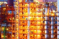 Fabbrica industriale del prodotto chimico dell'olio fotografie stock libere da diritti