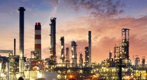 Fabbrica - olio e industria del gas immagini stock libere da diritti