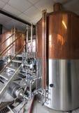 Fabbrica per produzione della birra dei mestieri Immagini Stock