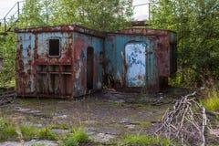 Fabbricati industriali abbandonati nella regione di Leningrado Fotografia Stock
