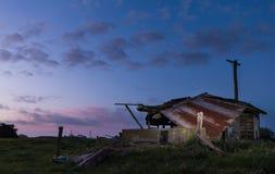 Fabbricato agricolo rotto Fotografie Stock